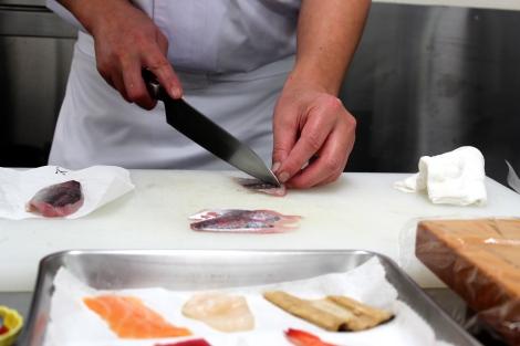 How To Make Sushi: Mackerel